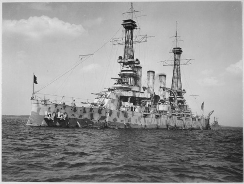 lossy-page1-791px-U.S._battleship_New_Jersey_in_camouflage_coat._-_NARA_-_533704.tif