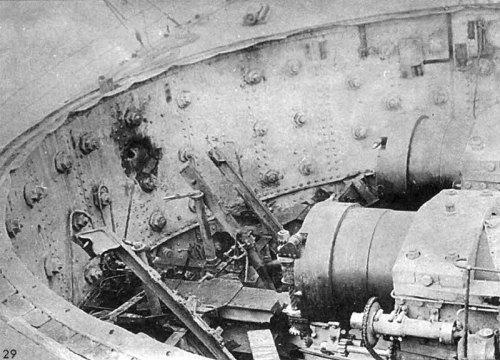 Sisoy_Veliky_explosion_damage_1897_turrets