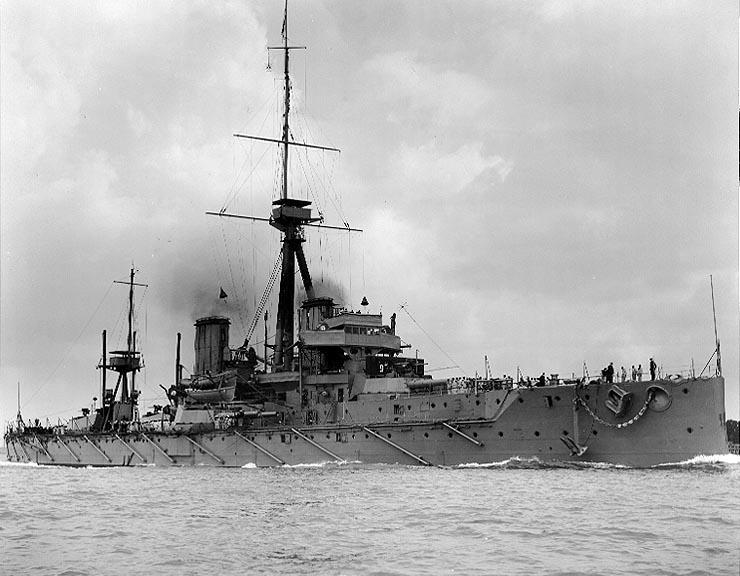HMS_Dreadnought_1906_H63596